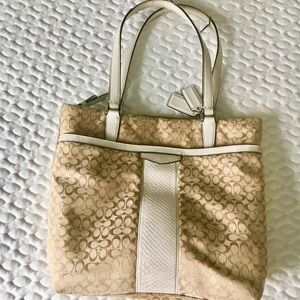 COACH signature Tan/White bag